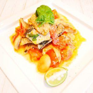 秋刀魚のソテー~バジル香るフレッシュトマトのソース~