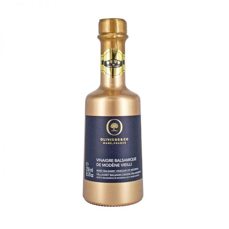バルサミコビネガーゴールド250ml 最高級のブドウを木製樽で長期間熟成された、芳醇な甘みが特徴の伝統的なモデナのビネガーです。