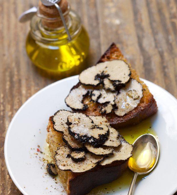 秋はトリュフの季節ートリュフのオリーブオイルやソルトでワンランク上のお食事を