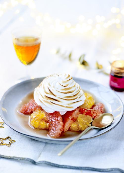 シトラスメレンゲフロートのレシピです。特製のフルーツビネガーとコンフィチュールを合わせた、果実なジューシーな味わいをお楽しみください。
