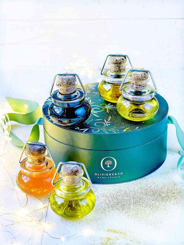 【20ノエル】ミニボトル 50ml 5本セット アロマティッオイル(フレーバーオイル)3種類と、ビネガー2種類がかわいい小瓶に入っています。