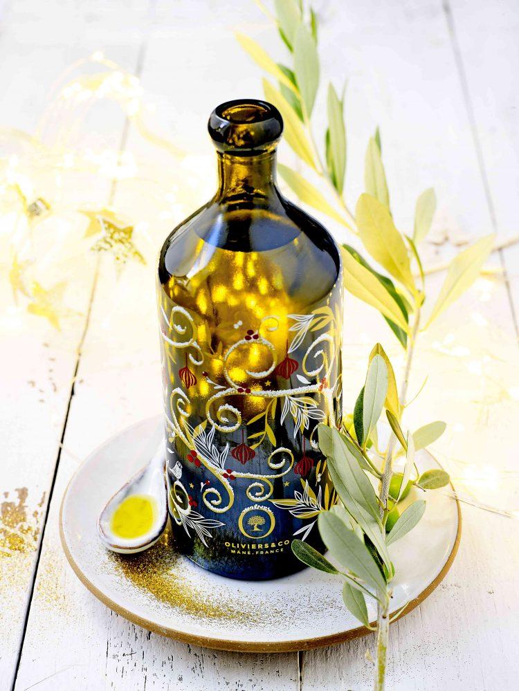 イタリア産 限定デザインボトル サビーノレオーネ 500ml 魔法の木モチーフのデザインボトルに入った、フレッシュで力強い味わいのエキストラバージンオリーブオイルです。
