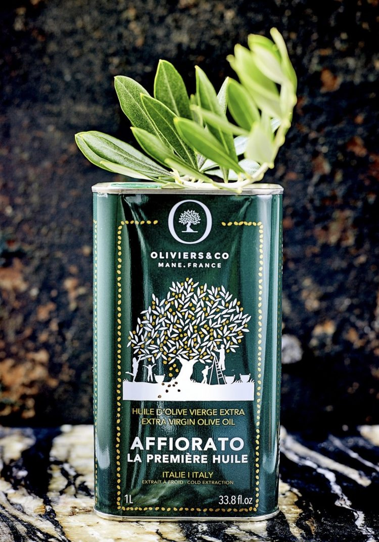 イタリア・シチリア産エキストラバージンオリーブオイル「アフィオラート」。早期収穫のノッチェラーラデルベリーチェ100%の風味豊かな味わいとなめらかな口溶けが特徴的です。
